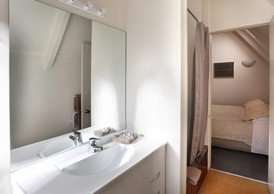 Superior View 1 Bedroom Bathroom