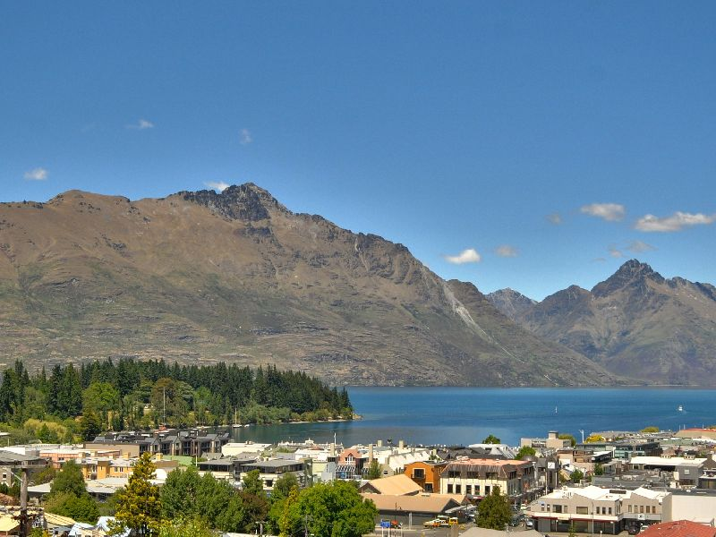 Lake Wakatipu Summer Views